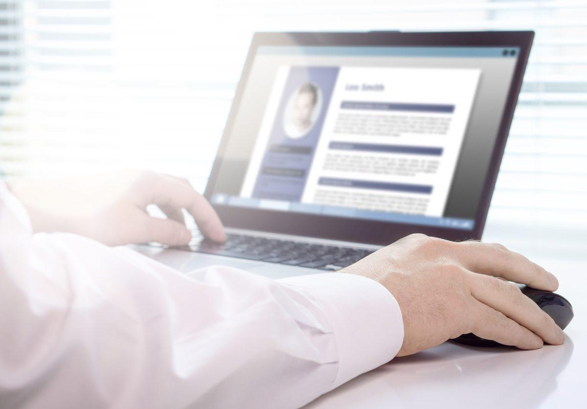 Comment créer un CV original et personnalisé